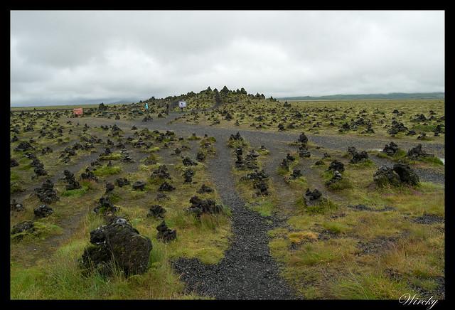 Islandia Vík Eldhraun Skaftafellsjökull Svartifoss Jökulsárlon - Montones de piedra de Laufskálavarda