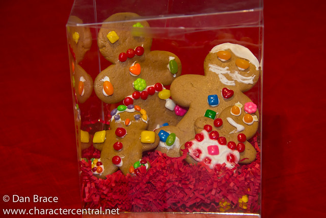 Gingy's Gingerbread Decorating