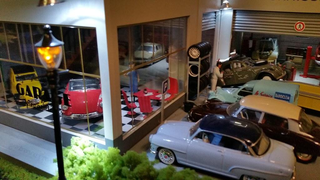 Construisez le garage moderne hachette collections 1 43 for Garage automobile le plus proche