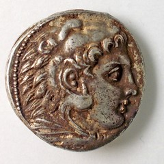 Greek coin from 325 B.C.E. obverse with Heracles