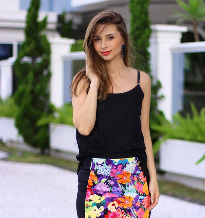 08-look saia estampada e blusa de renda preta sly wear jana taffarel blog sempre glamour