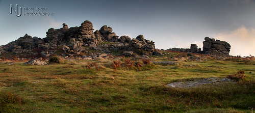 light sunset evening rocks devon tor dartmoor