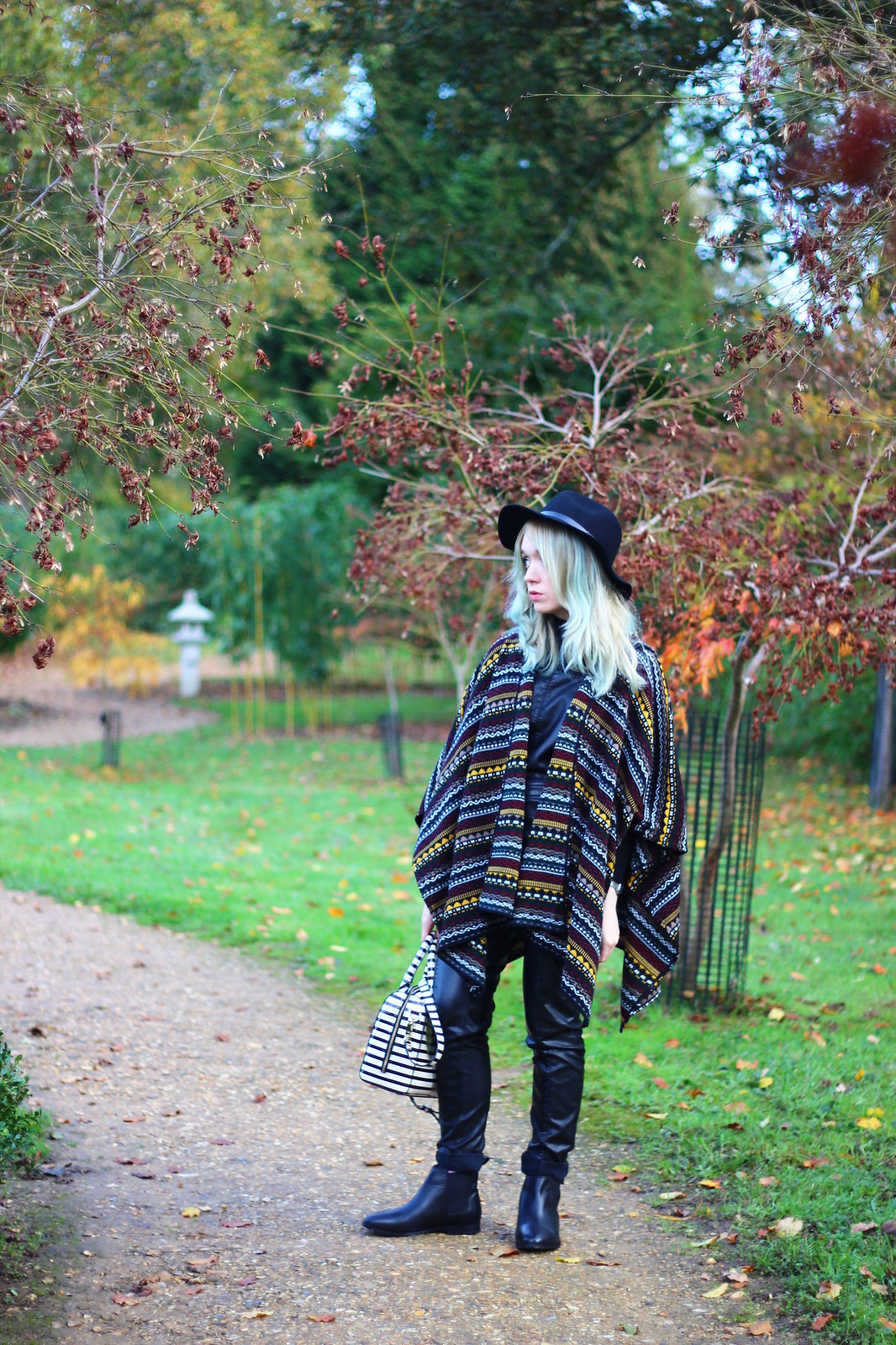 2britfash, fashion_blogger_style, blanket_coat, aztec_print, topshop, kate_spade, britfash