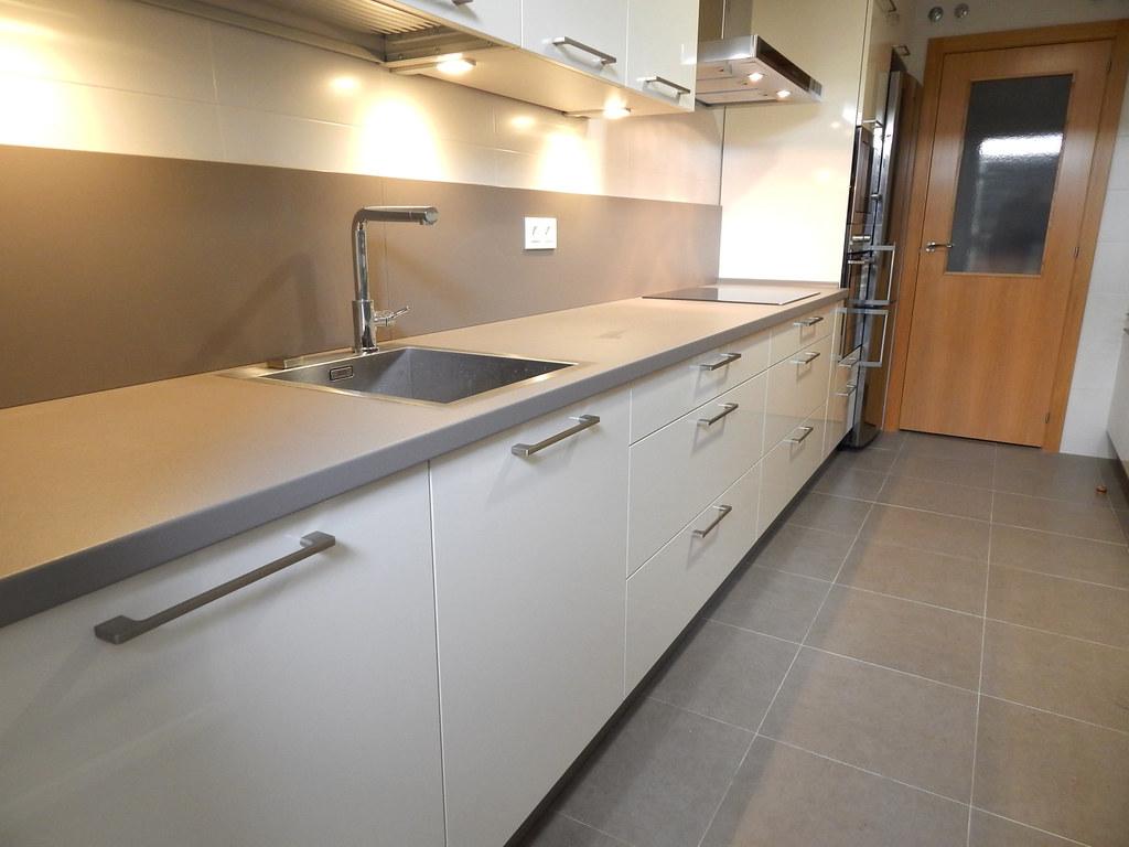 Muebles de cocina magnolia alto brillo for Frentes de muebles de cocina