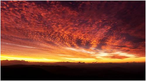 sunset panorama trekking walking view australia bushwalking vista tasmania collinscap canoneos550d wellingtonrange trainsintasmania latelighting stevebromley arcsoftpanorama5