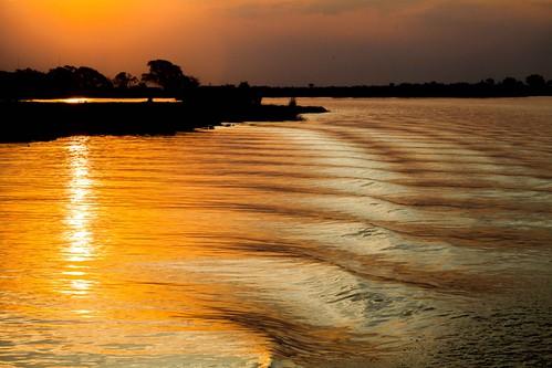 sunset river waves reflectedsunlight zambizi zambiziriver zimbabwa wavemotion