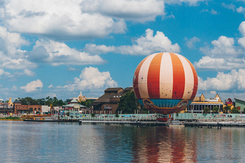 orlando colorful raw florida balloon sunny bluesky disneyworld downtowndisney lightroom vsco vscofilm