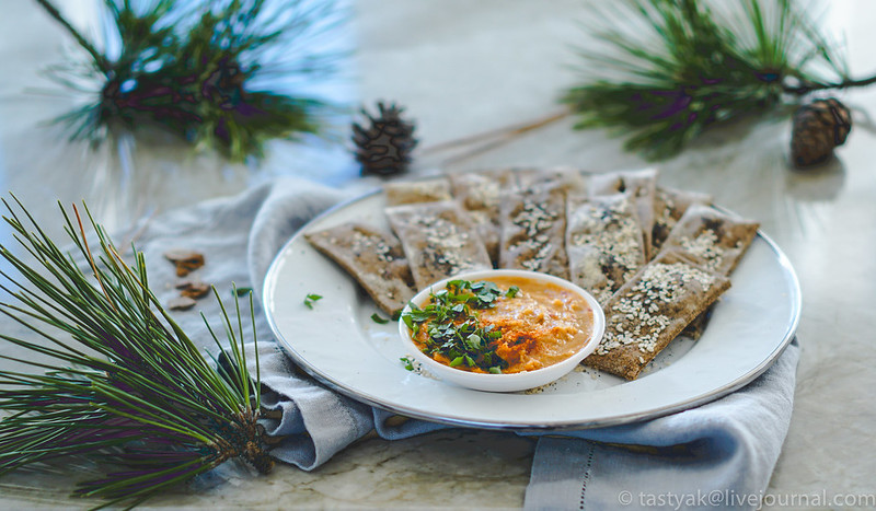 Buckwheat/Pine Kernel Healthy Crackers Cleaneating