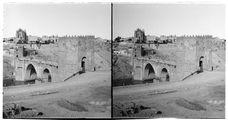 Puente de San Martín  hacia 1900. Fotografía de Alois Beer © Österreichische Nationalbibliothek