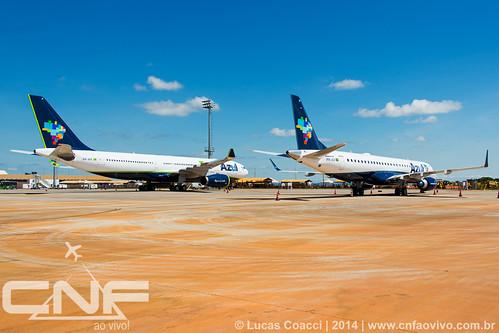 Embraer 195 PR-AUI e Airbus A330-200 PR-AIX Azul Linhas Aéreas