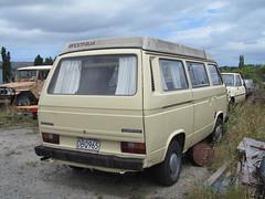 automobile, automotive exterior, van, sport utility vehicle, volkswagen, vehicle, minivan, minibus, volkswagen type 2 (t3), microvan, land vehicle, luxury vehicle,