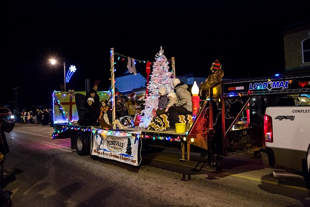 20141205-MountForestChristmasParade-13