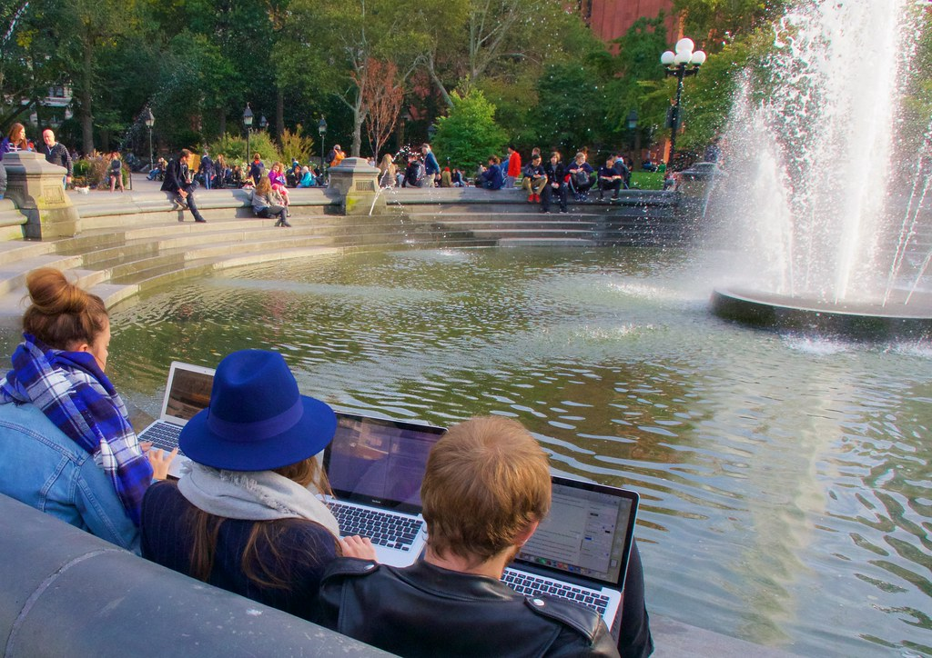 New Yorkers actually bring their Macs to Washington Square to watch Netflix movies