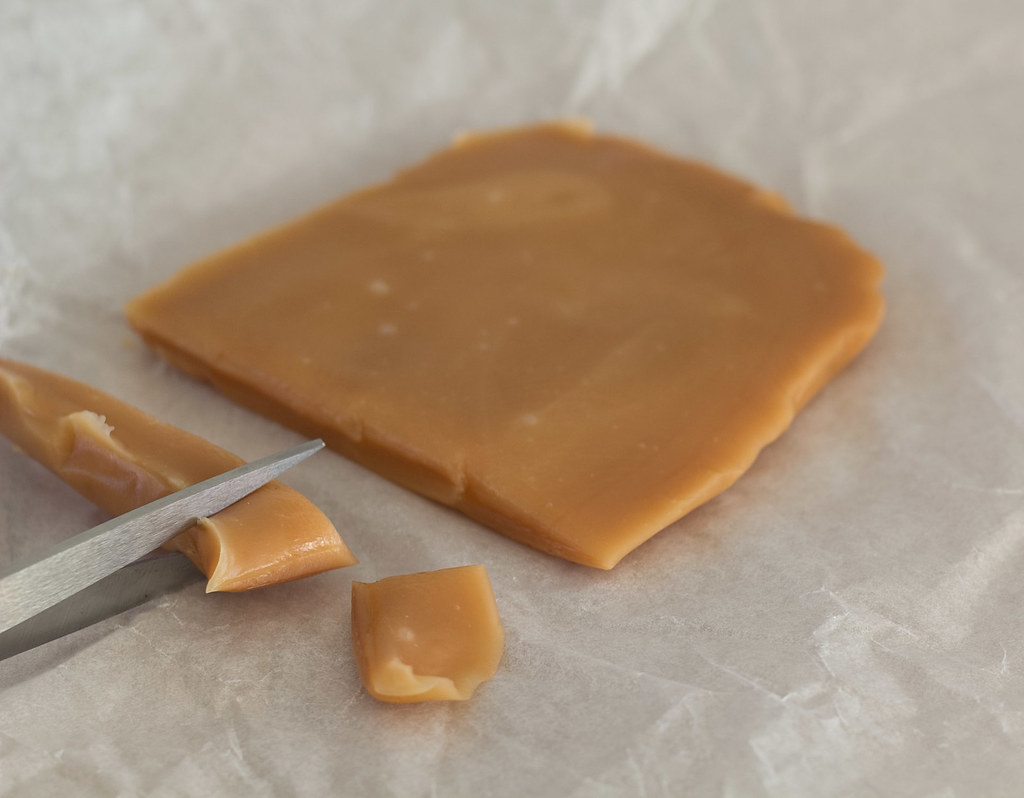 Super Easy Microwave-Caramels - 10 minutes