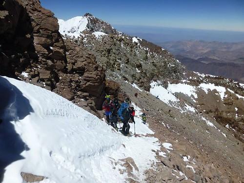 A quelques mètres du sommet (au fond, la pointe Sud)