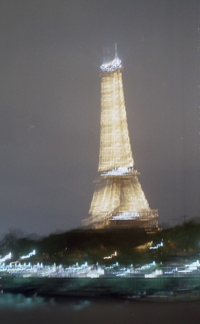 tour Eiffel preview 395 x 640