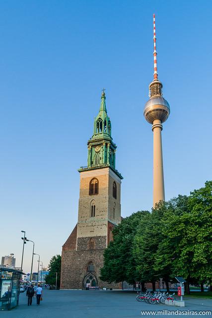 Marienkirche y torre de televisión