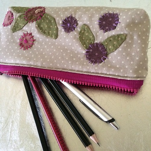 My new pencil case is ready:) Il mio nuovo porta matite è pronto:)