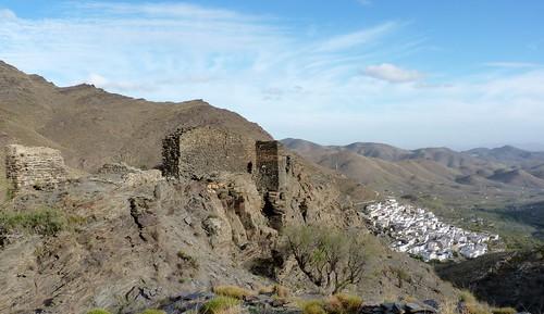 Senés y castillo árabe siglo Xll