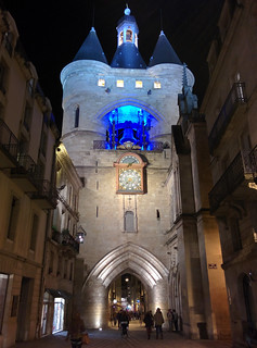 Saint-Eloi gate at night