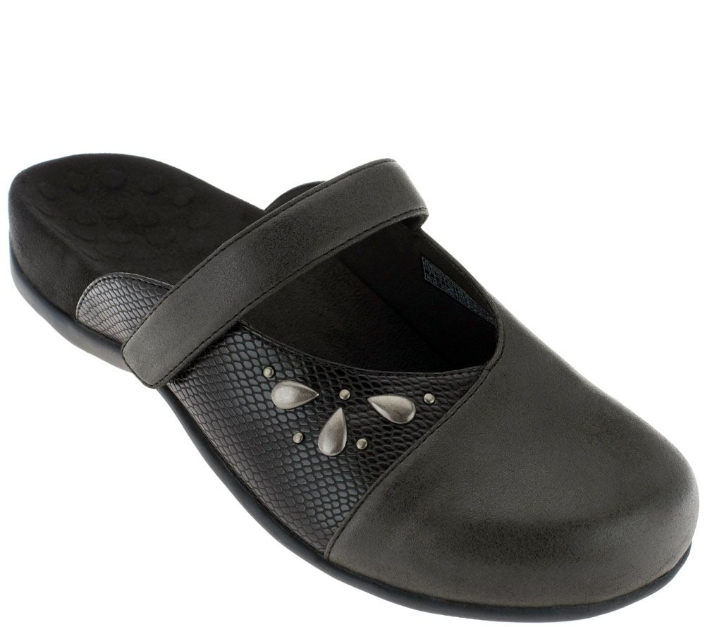 Shop comfortable women's ballet flats, mule slip-ons, loafers, and other casual women's shoes. Find the most comfortable flat shoes for women at Vionic.