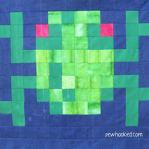Frogger! Free Pattern on fandominstitches.com and sewhooked.com! #pixel #videogame