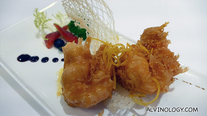 Deep-fried Prawn with Lemon Sauce