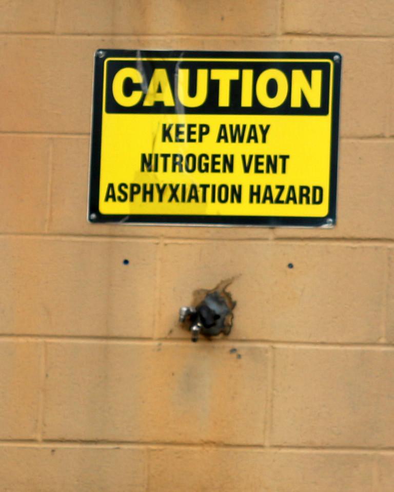 Caution Keep Away Nitrogen Vent Asphyxiation Hazard