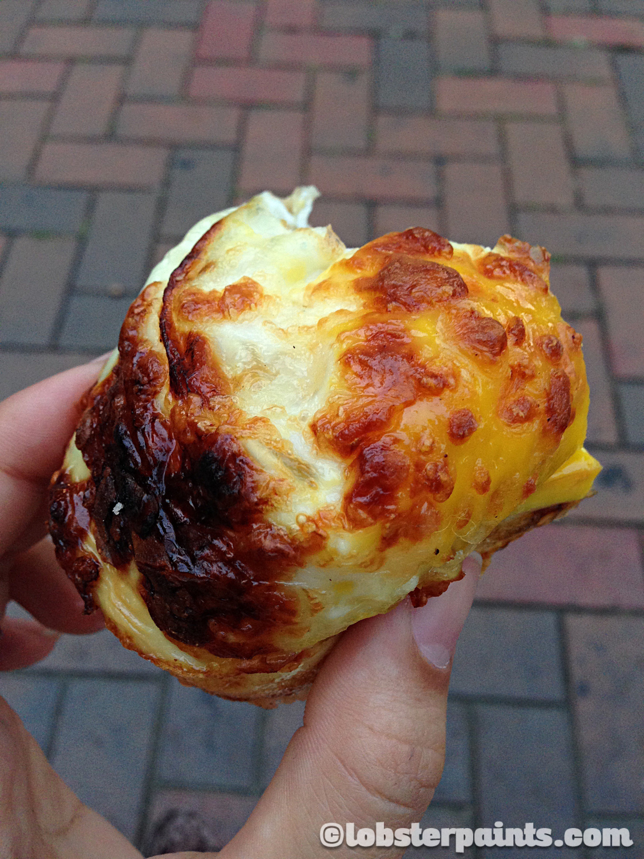 1 Oct 2014: Egg Muffin 계란빵 at Edae Shopping District | Seoul, South Korea