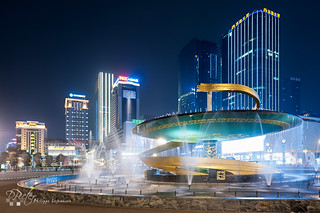 Chengdu - Tianfu square by Philippe Lejeanvre - 乐让菲力