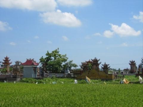 Nghĩa trang làng An Quý, nơi các hài cốt trong mộ cổ được đưa về an táng. Ảnh: Minh Sơn