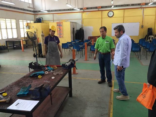 Visita a instituciones de Malasia