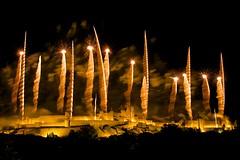 jeu, 14/07/2016 - 21:51 - Le feu d'artifice du 14 juillet tiré au-dessus de la Cité médiévale de Carcassonne fut encore absolument étonnant et somptueux avec le thème des bijoux et des joyaux ! Quel meilleur choix pour rehausser ce trésor du Moyen Âge ?  photo tous droits réservés © Ville de Carcassonne - Julien Roche.