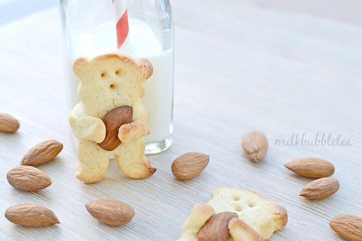 teddy almonds biscuits milk bubble tea