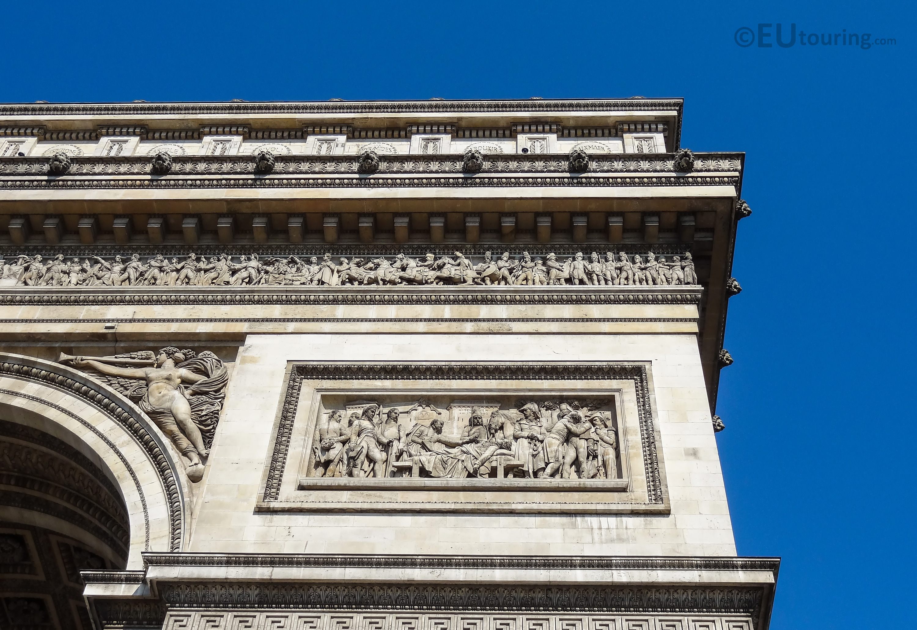 Details of the top corner of the Arc de Triomphe