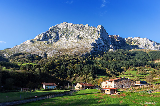 typical basque country houses in Arrazola