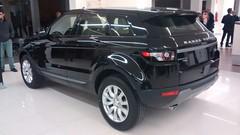 automobile(1.0), range rover(1.0), sport utility vehicle(1.0), vehicle(1.0), compact sport utility vehicle(1.0), rim(1.0), range rover evoque(1.0), land vehicle(1.0),