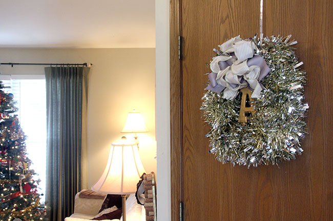 Tinsel-Wreath-and-Tree