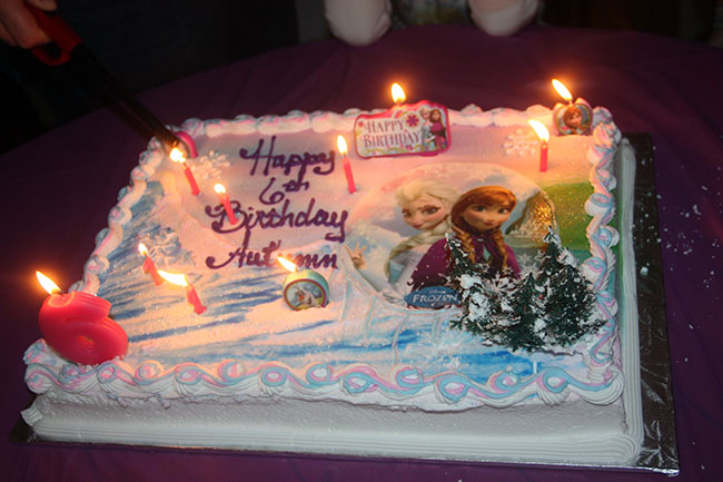 Cake_Lit-Up