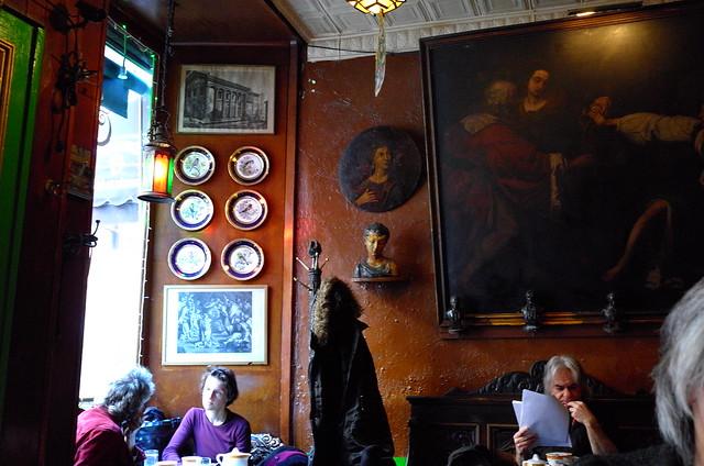 Caffe Reggio, MacDougal Street NY, 26 Dec 2014. L194