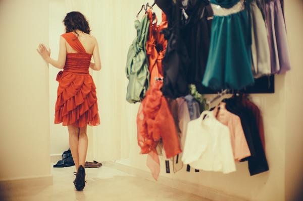 De los ropajes modernistas