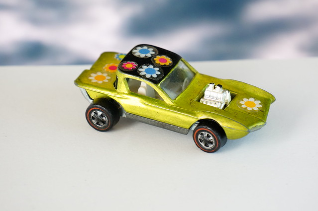 Hot Wheels Redline Python US Flower Power