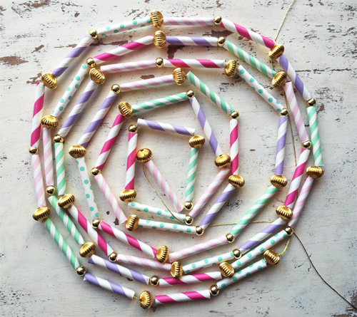 Flickriver vintage holiday crafting pool - Things made out of straws ...