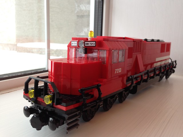 Latest train MOC 15303521673_d5c6bdccb8_z