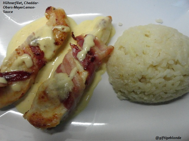 Hühnerfilet im Speckmantel, Cheddar-Obers-MeyerLemon Sauce, Reis