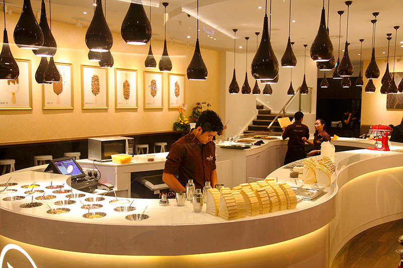 Magnum-Cafe-Mid-Valley