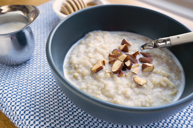spiced milk with oatmeal