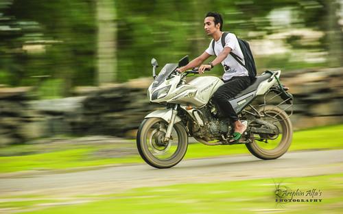 two urban bike speed wheeler panning 550d