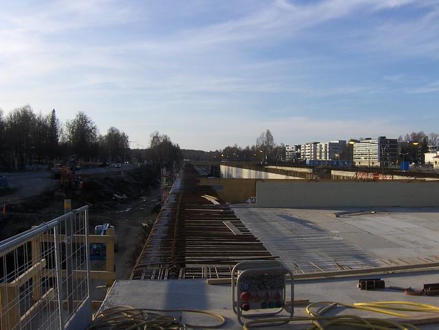 Hämeenlinnan moottoritiekate ja Goodman-kauppakeskus: Työmaatilanne 22.4.2012 - kuva 5