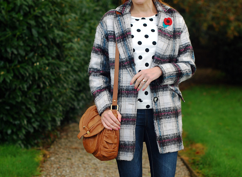 Checked coat with polka dots and denim - over 40 style
